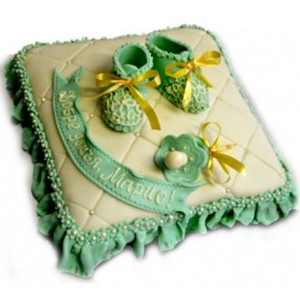 Cake for newborn with shoes - 16 pieces
