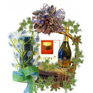 """Coffee set """"Roses"""" in basket"""