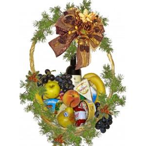 Коледна кошница със сирене и плодове