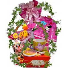 Кошница с подаръци за момиче