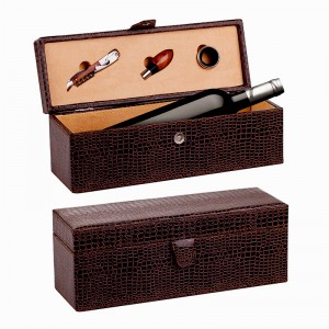 Leather wine box, Accessorizes & A bottle of wine