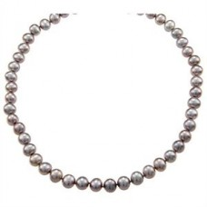 Classy Lady - Pearl necklace