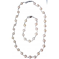 Eveline - Pearl necklace and bracelet
