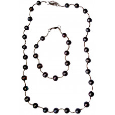 Vega - Pearl necklace and bracelet