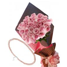 Pretty in pink # 5 - Roses & Pink Pearls Necklace