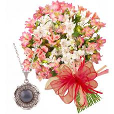 Aurora # 6 - Flower bouquet and Black pearl necklace