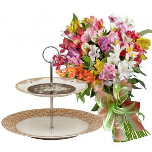 Zoe # 6 - Bouquet and 2 Tiers Cake Stand