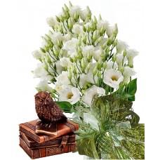 София # 2 - Букет цветя и статуетка