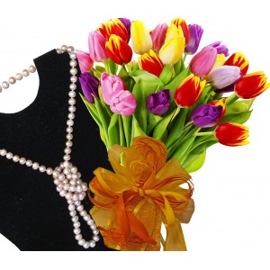 Ida # 6 - Flowers & Necklace