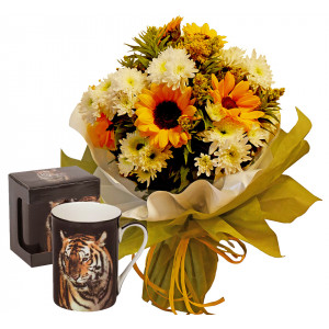 Sunny Days # 2 - Bouquet and Tiger Mug Classic