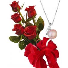 Bouquet of roses and pendant Leila