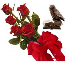 Bouquet of roses and Eagle Owl - Statuette