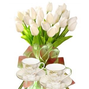 Бианка # 3 - Букет от лалета и чаши за чай