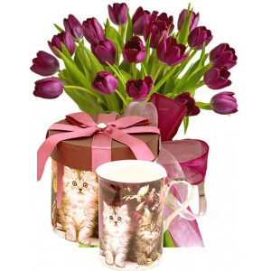Agatha # 2 - Tulip bouquet & Porcelain tea cup