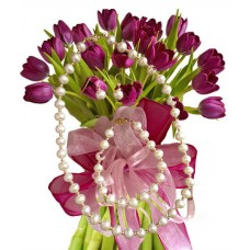 Agatha # 3 - Tulip bouquet and Jewelry set