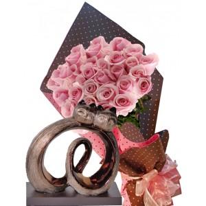 Невероятен подарък - Рози и статуетка