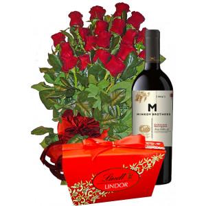 Благодаря за помощта - рози, вино и бонбони