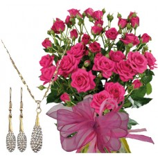 Geraldine # 4 - Roses and Jewelry Set