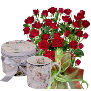Saskia # 6 - Roses and White Rose - Mug
