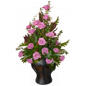 Празнувай със стил - Аранжировка с рози