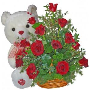 Романтично послание - Кошница с рози и мече