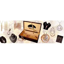 Jewelry, pearls