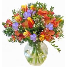 Пролетни цветя - Букет цветя микс