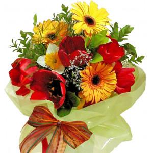 Весела пролет - букет с цветя